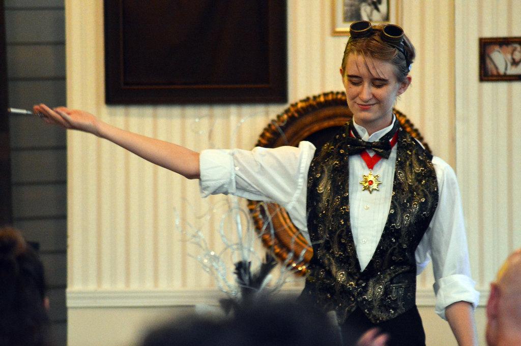 Ivey Barr as Orlofsky (Die Fledermaus, LOCO 2017). Photo by Savannah Jillani.